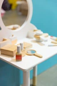 Iconic Wooden Beauty Kit by Make Me Iconic | Mini Nation
